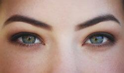 Greffe de sourcils